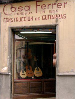 Guitarras artesanales en Granada