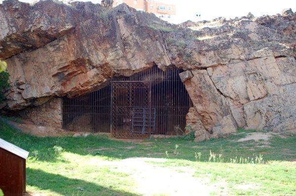 Cueva de Maltravieso, Cáceres