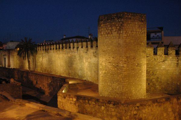Muralla del Alcázar en Córdoba