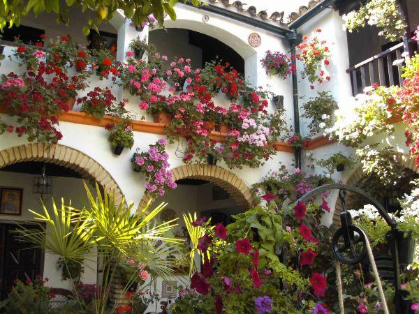 Lugares con encanto e historia en c rdoba hoteles4you for Jardines con encanto fotos