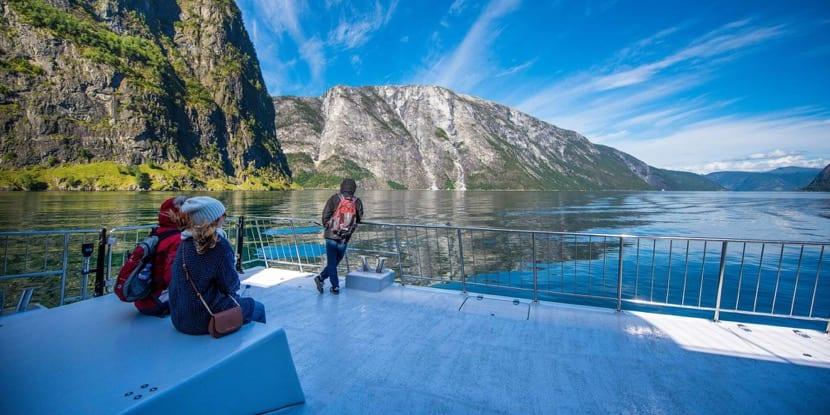 personas de vacaciones en noruega