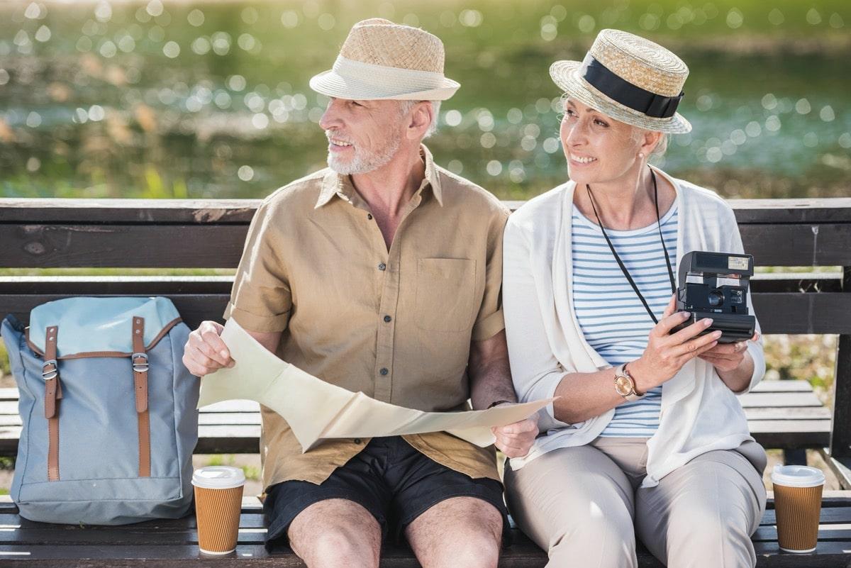 personas mayores viaje